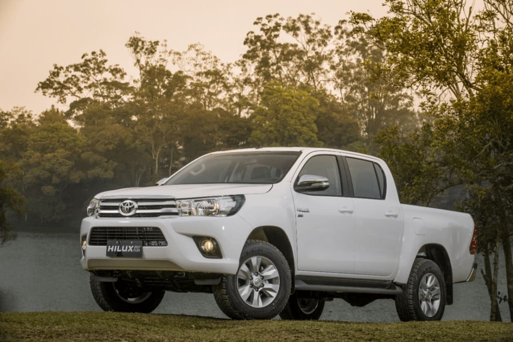 Toyota Hilux (TH-177530S)